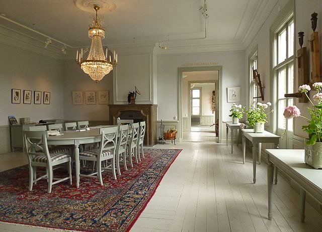 crystal chandelier, dining table, chairs