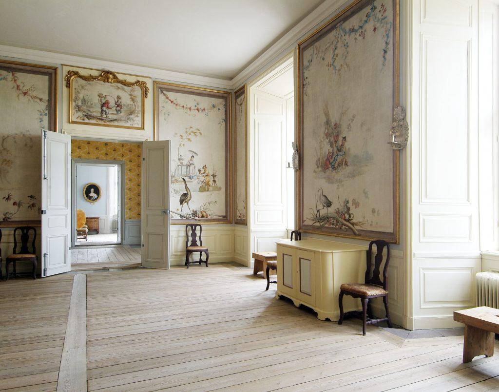 pale wood floor